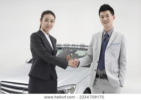 专业销售为成功商务人士提供购车服务