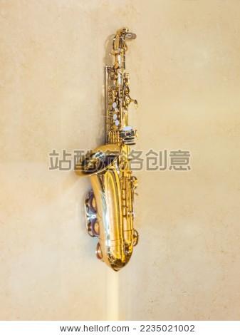 萨克斯管乐器
