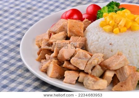 沙拉 冷餐 减肥餐 牛肉 鱼肉 蔬菜 虾 酸奶-背景/素材