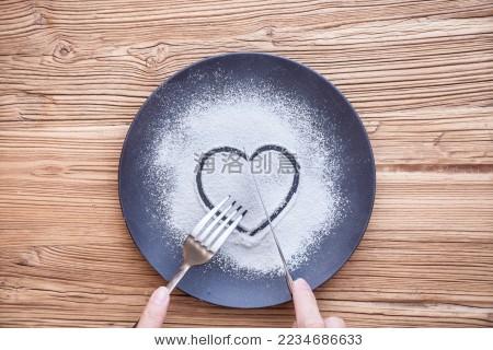 刀叉 盘子 面粉 心形 桃心