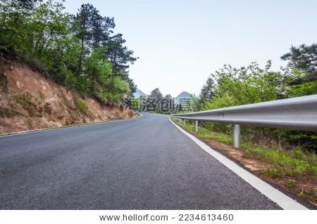 盘山公路汽车背景图